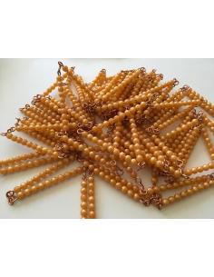 Chaîne de 1000 perles dorées Matériel Montessori cycle 2 numeration mille millier maths ecole collectivité neuroscience