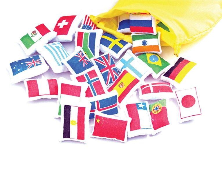 Drapeaux du monde en tissus pour placer sur planisphère Montessori pedagogique